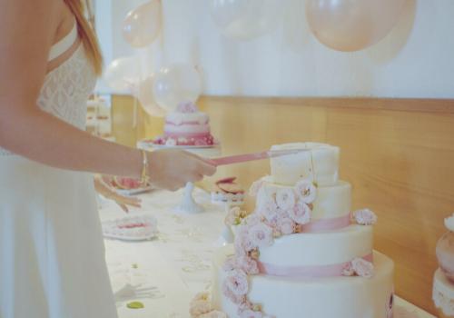 service gâteau baptême